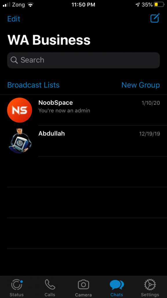 dark mode enabled on WhatsApp