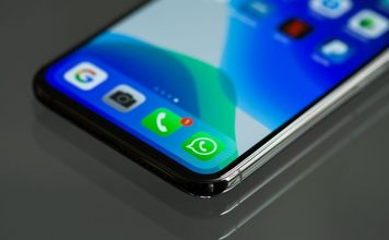 WhatsApp icon on iPhone X